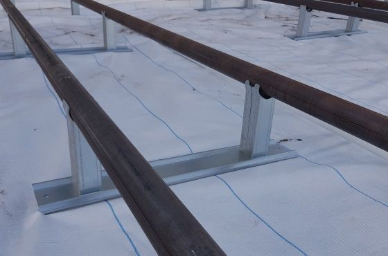 How to choose the right pipe rail support