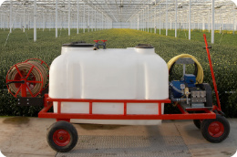How to clean a crop care sprayer trolley