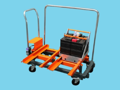 Meto battery exchangeset with transport wagon